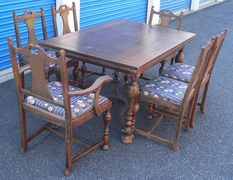 - Grand Rapids Chair Company Dining Set